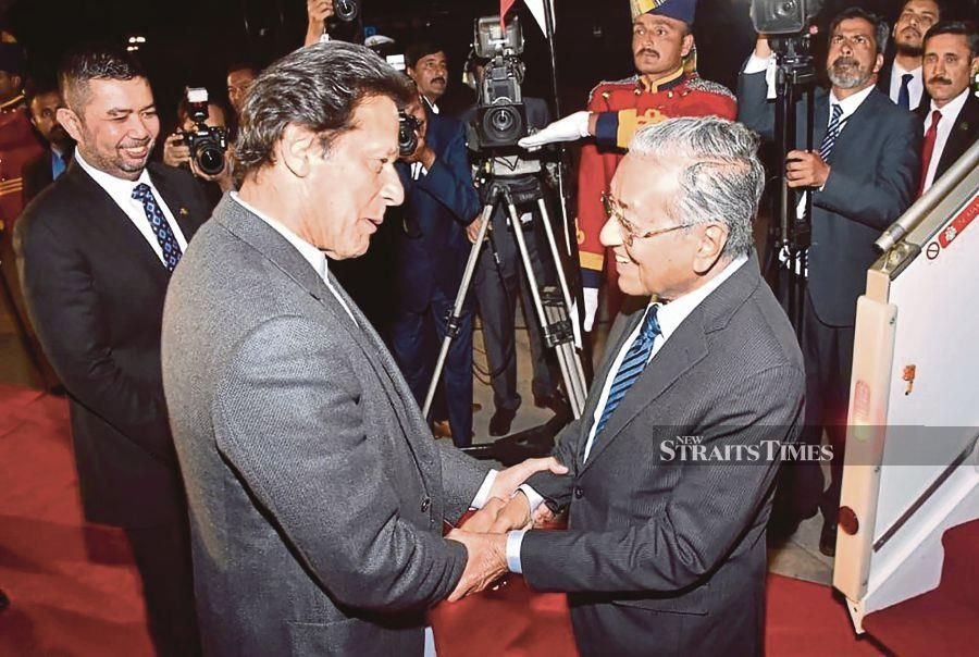 Prime Minister Tun Dr Mahathir Mohamad and his Pakistani counterpart Imran Khan on Friday witnessed the symbolic groundbreaking ceremony for the Malaysian national carmaker Proton's manufacturing assembly plant in the country.