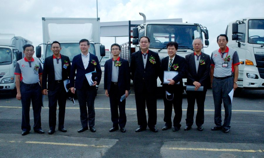 Japanese diesel truck and bus manufacturer Hino Motors Ltd has full confidence in Malaysia's economic climate and plans to remain in the country. (Pix by HASRIYASYAH SABUDIN)