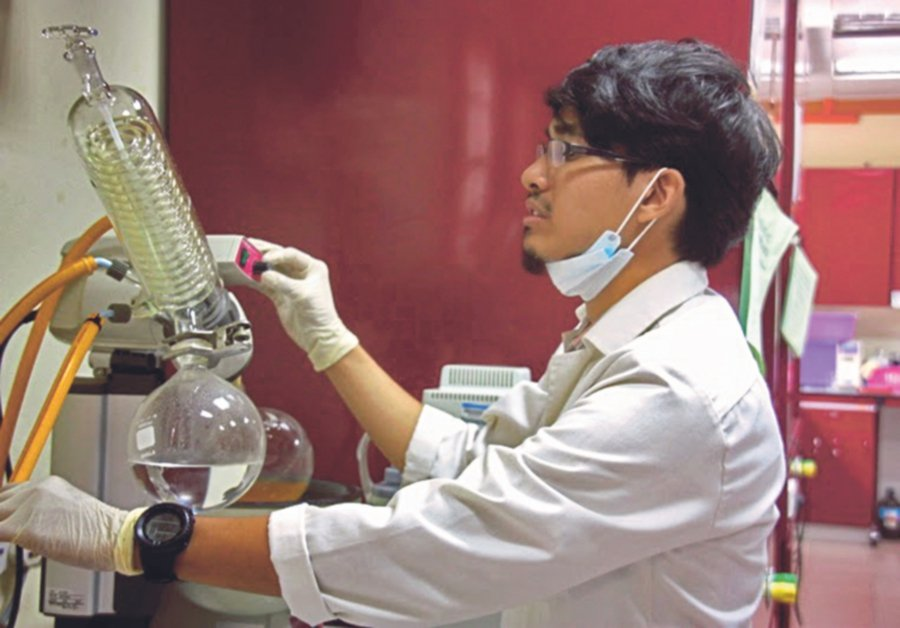 Dr Abdullah Ameru Indera Luthfi conducting research on the conversion of palm oil residue to high-value bioproducts.