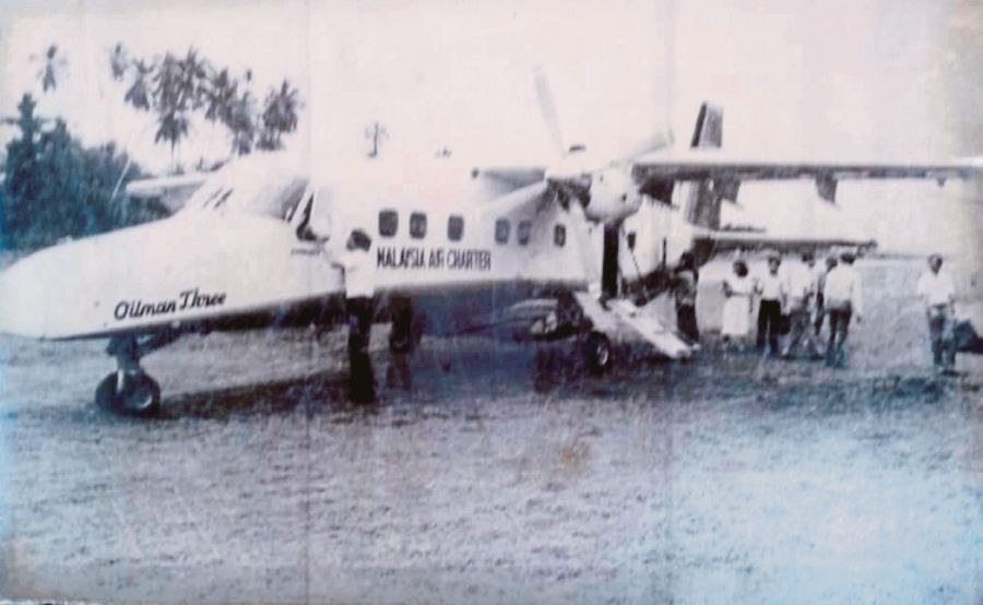 A Malaysia Air Charter Dornier Do228 aircraft after off-loading passengers on one of its scheduled routes in the 1970s. PIC BY NSTP ARCHIVE
