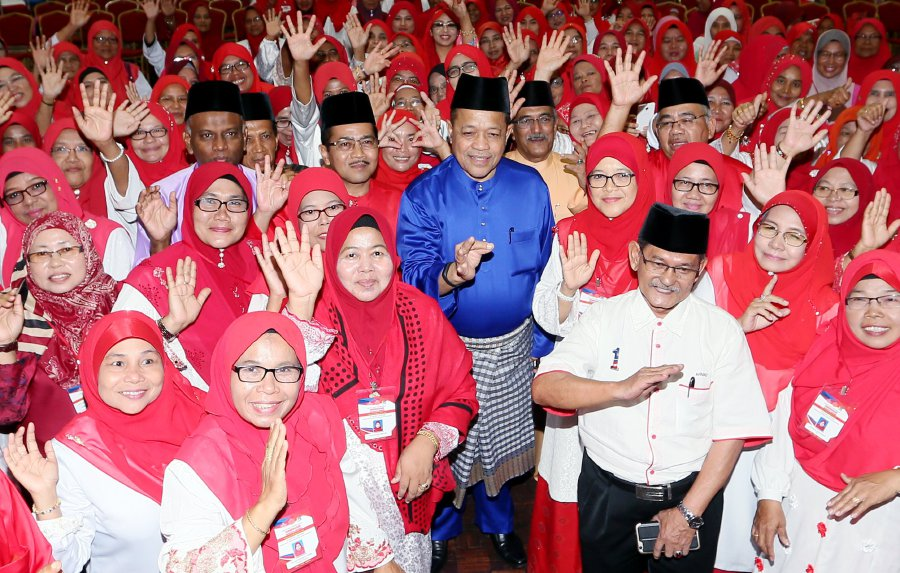 malays-must-unite-to-keep-dap-from-ruling-country-shahidan