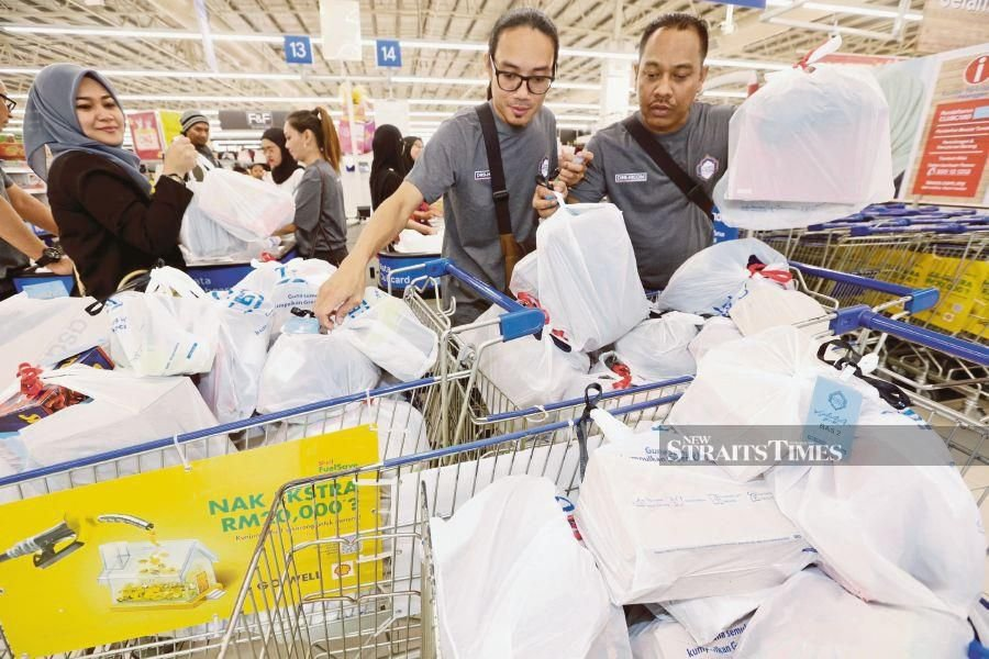 """""""As for consumers, they can decide which retailers offer more bargains for them,"""" said MRA president James Loke.-File pic"""