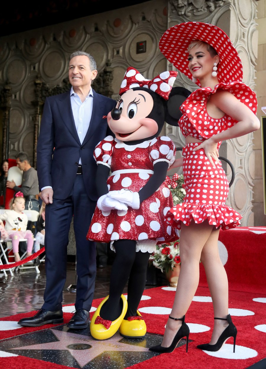 Minnie Mouse Gets Her Star A Few Decades After Mickey New Straits