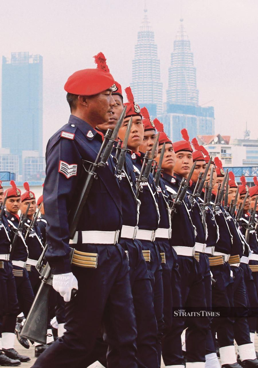An independent mechanism to oversee the police will restore public confidence in them. -NSTP/File pic