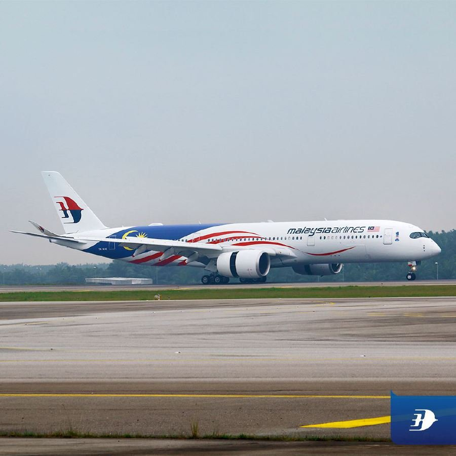 The Airbus A350-900 (XWB) aircraft is decorated with Jalur Gemilang livery. Pix source: Facebook/Malaysia Airlines.