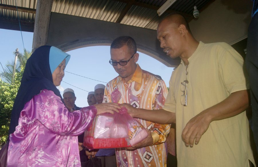 dropped-kedah-assemblyman-pledges-bn-support