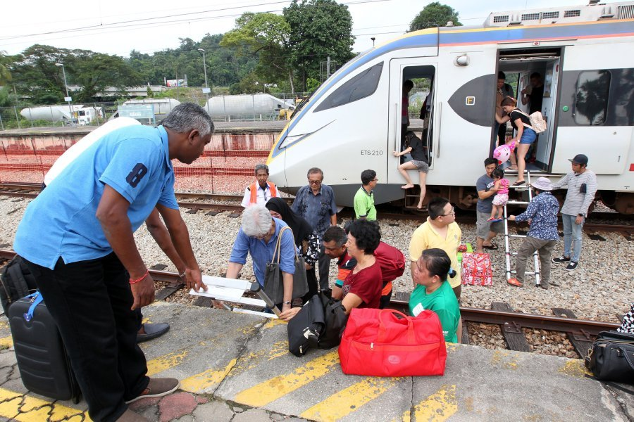 snapped-cable-leads-to-ets-service-disruption-between-kuang-and-sungai-buloh