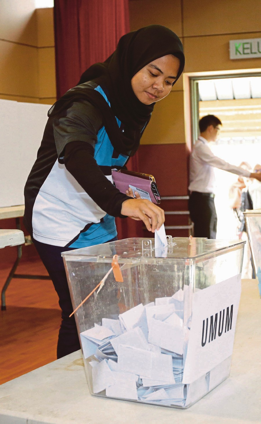 Campus elections at all public universities this year were independently run by students.NSTP/AZIAH AZMEE