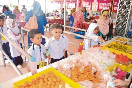 junk food in school canteens