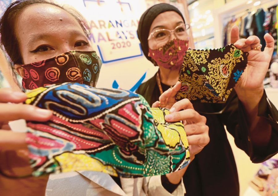 The government still allows decorated fabric masks as they have become the preferred choice. -NSTP/File pic