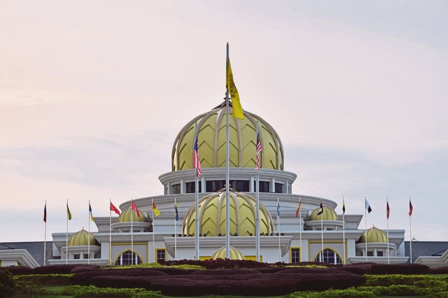 The Malay rulers met at Istana Negara yesterday to discuss recommendations proposed by Prime Minister Tan Sri Muhyiddin Yassin. BERNAMA PIC