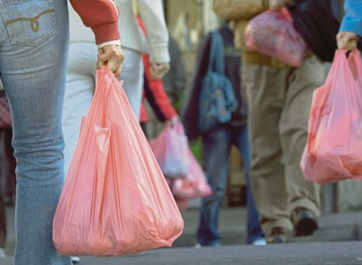 The Malaysian Plastics Manufacturers Association Has Been Reported As Saying That Average Uses 300 Plastic Bags A Year