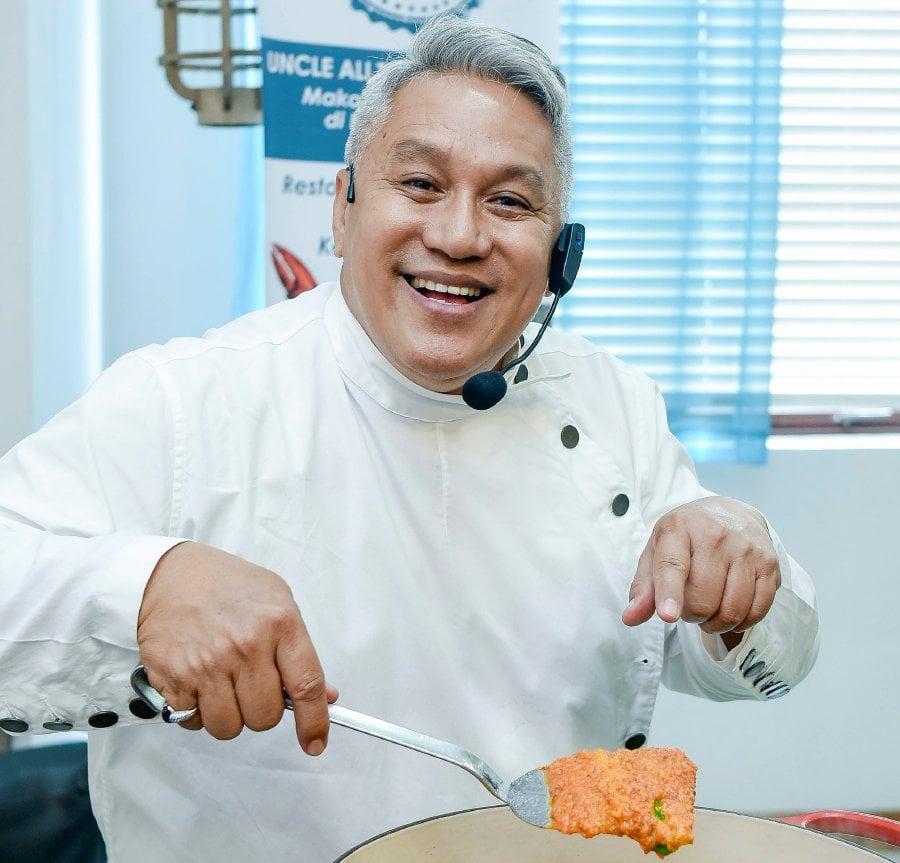 showbiz chef wan s singapore restaurant shuts down within a year