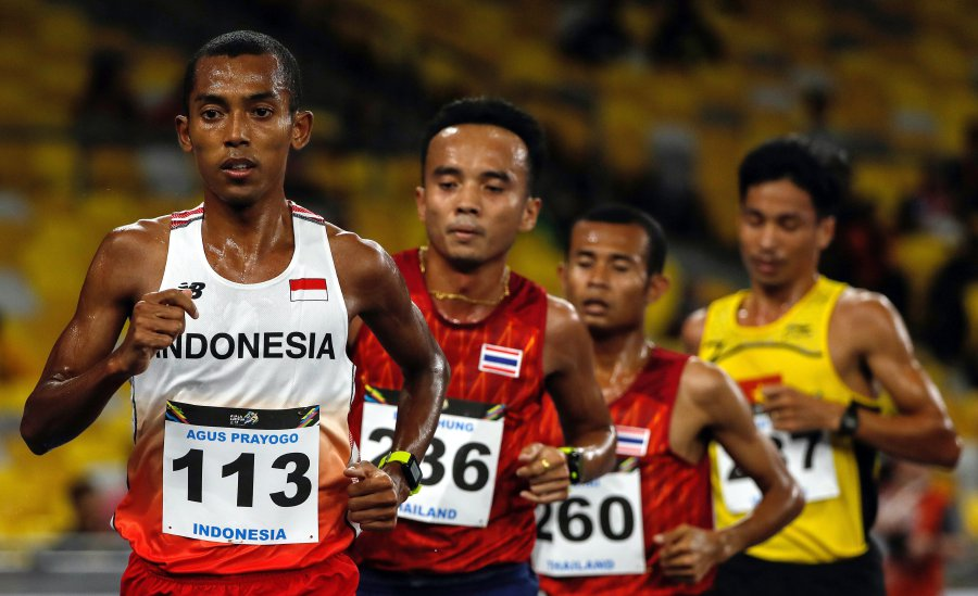 SEA Games hero Thanabalan credits father as Malaysia book final