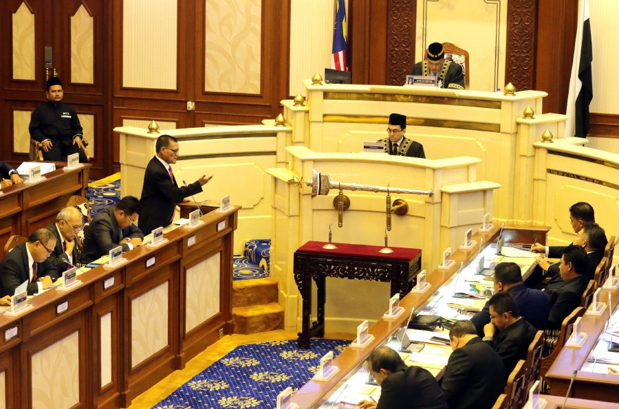 Pahang Menteri Besar Datuk Seri Adnan Yaakob (left) speaks during the state assembly sitting in Wisma Sri Pahang. Pic by ZULKEPLI OSMAN