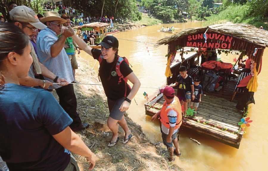 Foreign tourists also visited the district-level Pesta Rakit or raft festival and Run for River Moyog event which was held in conjunction with the World River Day celebrations at Kampung Terawi in Penampang.