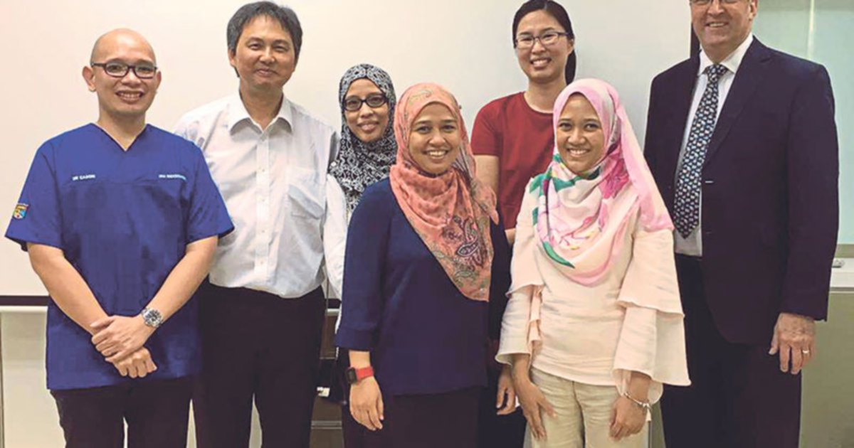 Postgraduate: Country's first 3 locally trained endodontists