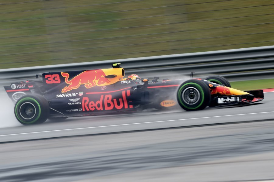 Vettel tops shortened Friday practice as Mercedes struggle