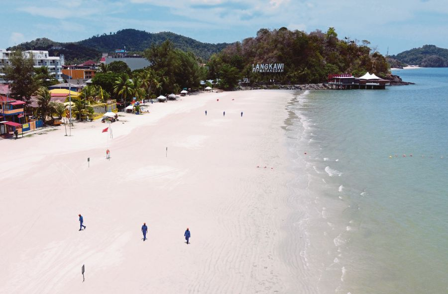 Since it may take months for the tourism industry to recover from the effects of Covid-19, it needs all the help it can get to refocus, reinvent and rebuild. – Bernama file pic