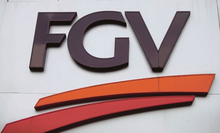 (File pix) FGV Holdings Bhd said complaints panel (CP) of the Roundtable for Sustainable Palm Oil (RSPO) expressed satisfaction that FGV had fulfilled the major conditions that were laid out for rectification and is confident that FGV will continue to meet the milestones in its action plan.
