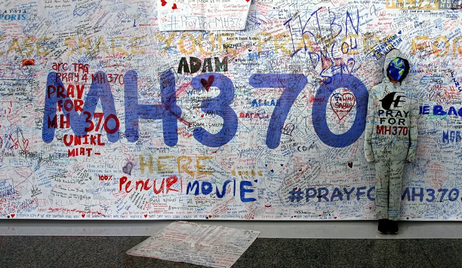 MH370 wreck 'located' in Indian Ocean