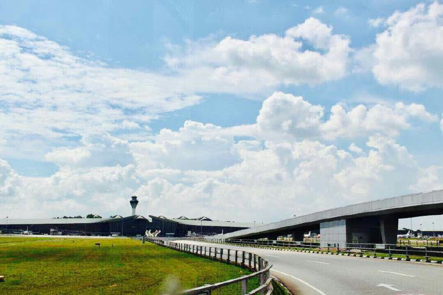 Kuala Lumpur International Airport 2's (klia2) Runway 3 has been reopened after it was temporarily closed to allow for urgent maintenance works