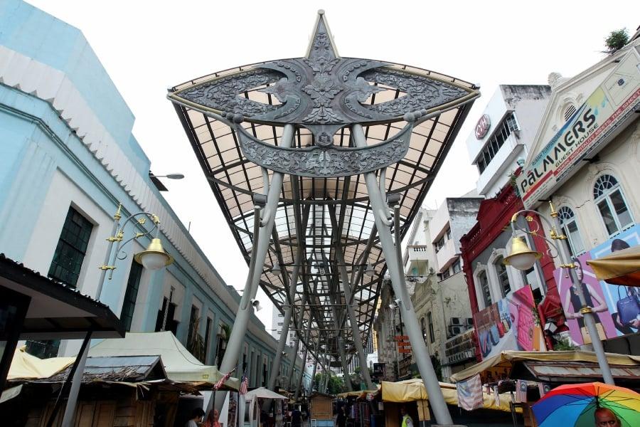 Kasturi Walk with the Wau Bulan art deco in Central Market