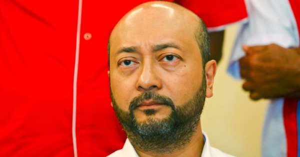 Mukhriz lying; was using Cambridge Analytica services for GE13: Former aide