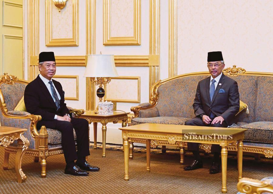 The Yang di-Pertuan Agong Al-Sultan Abdullah Ri'ayatuddin Al-Mustafa Billah Shah (right) granted an audience to Prime Minister Tan Sri Muhyiddin Yassin for a pre-Cabinet meeting at Istana Negara yesterday. The King reminded MPs that political squabbling for personal interest would not benefit the country and the people would become victims at a time the country was still battling threats brought on by Covid-19.- Photo by Bernama.