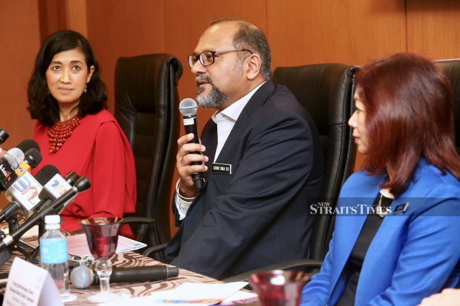 Minister Of Communications and Multimedia Malaysia, Gobind Singh Deo (centre) and CEO Of MDEC, Surina Shukri (left) during press conferences Announcement Of Level Up KL 2019 at Plenary Theatre Kuala Lumpur Convention Centre. NSTP/Intan Nur Elliana