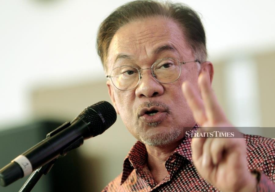 PKR president Datuk Seri Anwar Ibrahim has confirmed speculations that there have been attempts of a betrayal towards the Pakatan Harapan government. - NSTP/HAZREEN MOHAMAD