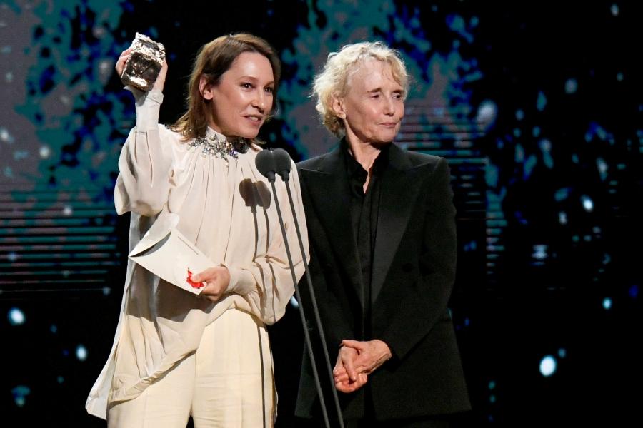 Actresses walk out of Cesar Awards ceremony as Polanski wins three awards