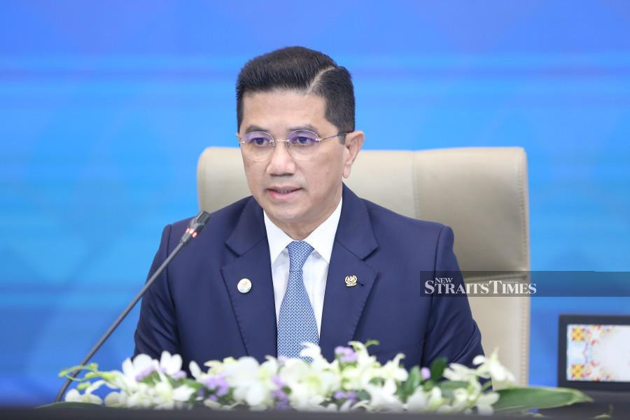 International Trade and Industry Senior Minister Datuk Seri Mohamed Azmin Ali says the Pakatan Harapan Cabinet never made the decision to reject the CPTTP. - NSTP/File pic