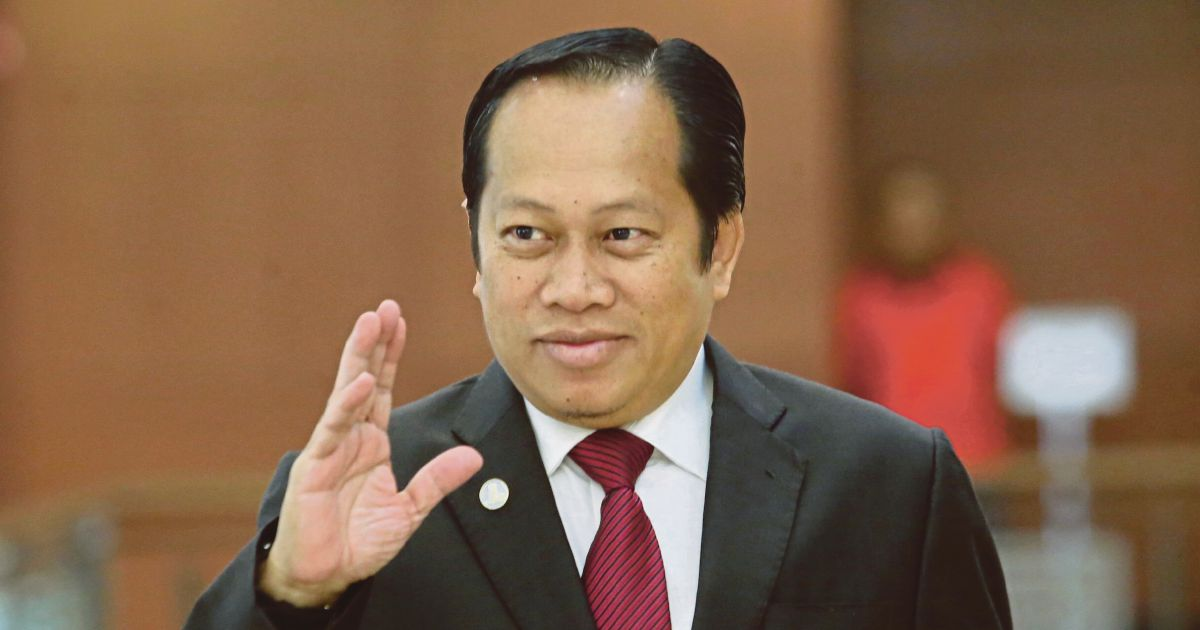Ahmad Maslan: Parliament cannot compel opposition MPs to declare assets