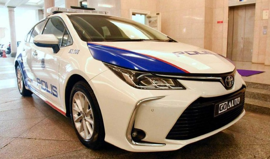Go Auto Sales Sdn Bhd has showcased to Prime Minister Tun Dr Mahathir Mohamad the prototype unit of the Royal Malaysia Police's (PDRM) mobile patrol vehicle (MPV) that will based on the Toyota Corolla Altis. -- NSTP Archive / Harian Metro photo