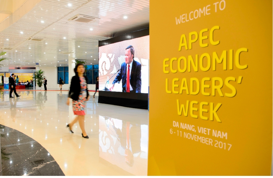 Donald Trump delivers keynote speech at APEC CEO summit in Vietnam
