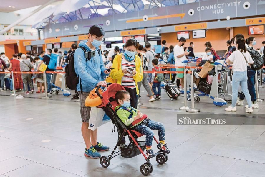 Imposing travel bans on Chinese nationals from entering Malaysia amid the current Covid-19 outbreak does not work as it only creates a false sense of security among the people. - NSTP/AIZUDDIN SAAD
