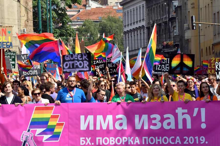 Bosnians march in first Gay Pride parade   New Straits Times