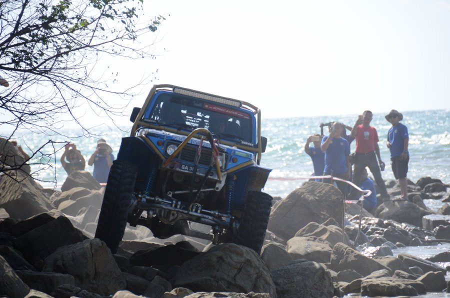 The Borneo Safari International Off Road Challenge is organised annually by the Sabah Four Wheel Drive Association, taking enthusiasts on an adventure through extreme terrain into the bowels of the jungles of Sabah.
