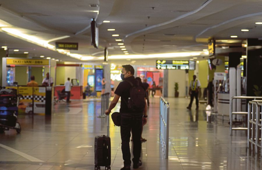 Covid-19 is a more literal virus, hidden and uncaring of race. Granted, a curfew and MCO aren't the same thing. --BERNAMA pic