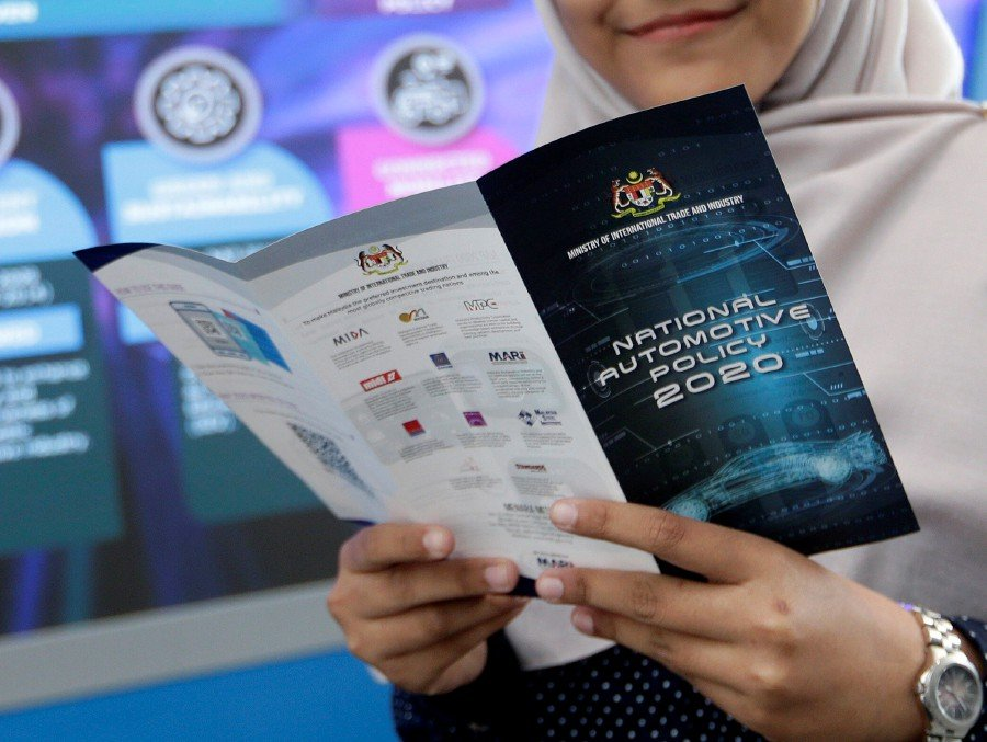 The National Automotive Policy (NAP2020) and third national car project will not be scrapped despite the change in the country's leadership, says the Malaysia Automotive Robotics and IoT Institute (MARii).