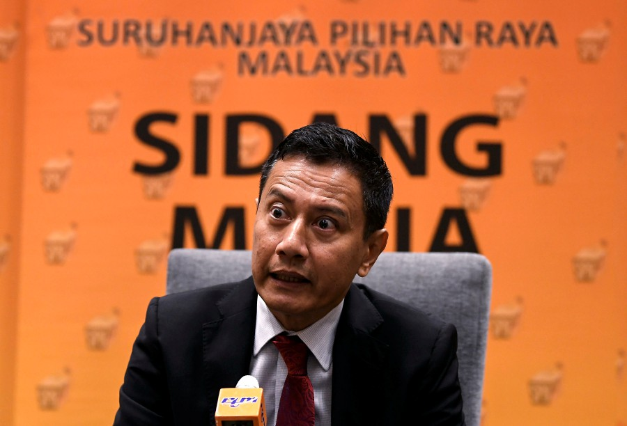 Election Commission (EC) chairman Datuk Azhar Azizan Harun during press conference Commonwealth Election Professionals (CEP) Initiative: Strengthening Electoral Democracy in Commonwealth Asia training programme.-BERNAMA