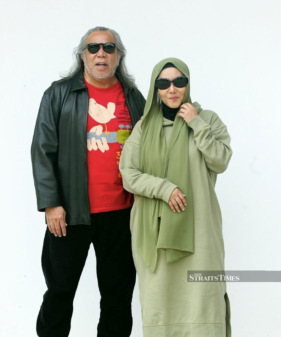 Datuk Ramli Sarip and Ella (NSTP/KHAIRUL AZHAR AHMAD)