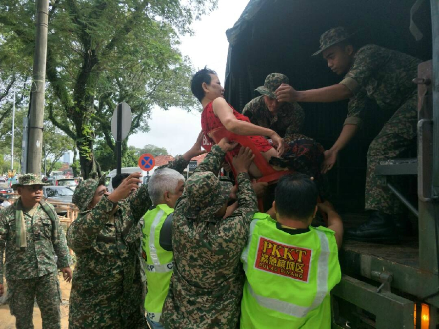 Military deployed in Penang as Malaysia floods displace thousands