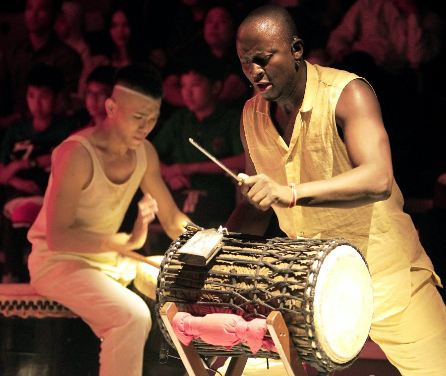 KUALA LUMPUR 11 AUGUST 2017. Kumpulan Dafra Drum pada persembahan Wind of Nomads di Istana Budaya, Kuala Lumpur. NSTP/NIK HARIFF HASSANNIK HARIFF HASSAN