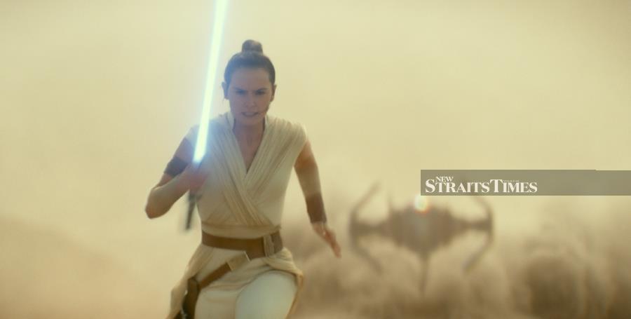 Rise of Skywalker dominates box office despite devastating reviews