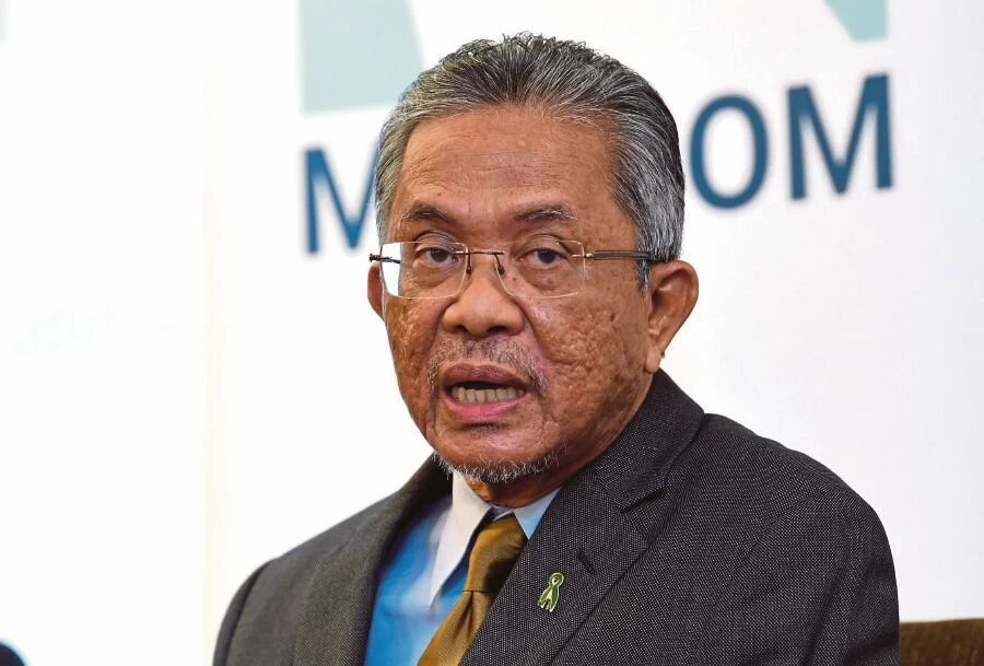 Deputy Foreign Minister Datuk Kamarudin Jaffar saysthe government is committed to assist Malaysians who are stuck abroad due to the cancellation of flights by airline companies and travel restrictions imposed amid the Covid-19 pandemic. – File pic