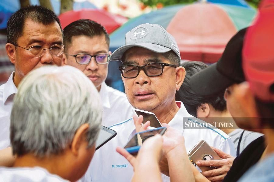 """Meanwhile, Ongkili said although there were talks between PBS and Umno, it was merely an """"informal chit chat."""" -NSTP/KHAIRULL AZRY BIDIN."""