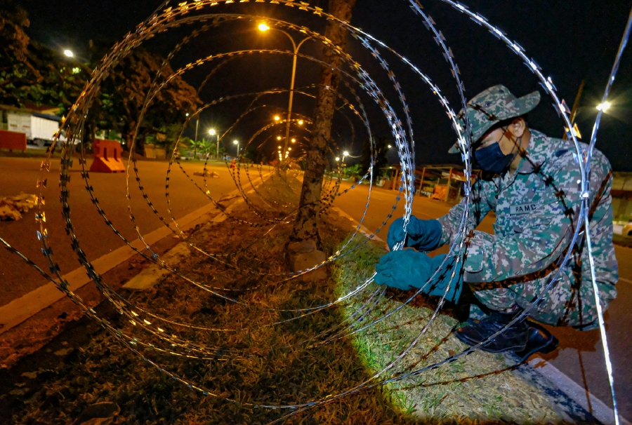Thirty-five localities, mostly in Sabah, will be placed under the Enhanced Movement Control Order (EMCO) from July 29 to Aug 11 to contain the spread of Covid-19. - Bernama pic
