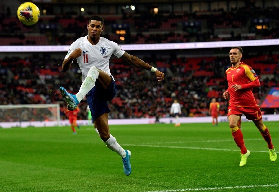 England's players reportedly want Joe Gomez to start match against Kosovo